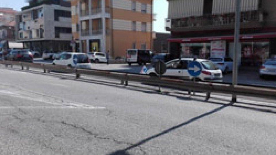L'incidenteIncidente tra auto e tir a Dogana. Sulla statale 16 si ribalta auto sammarinese
