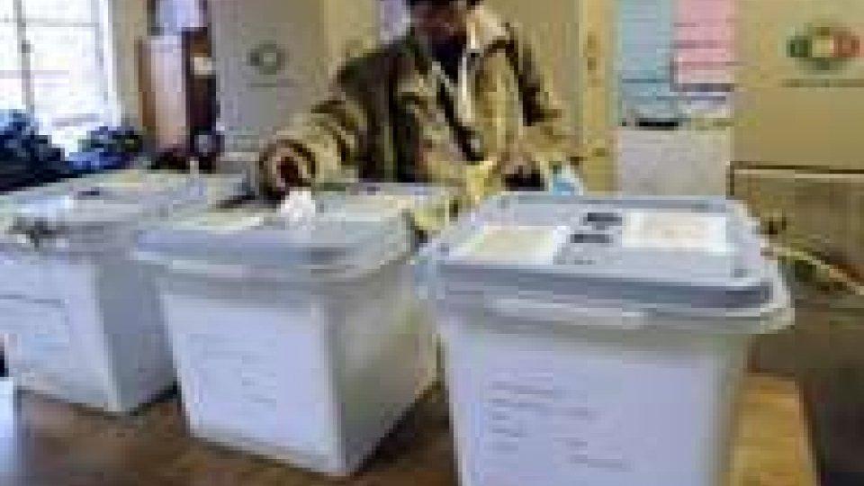 Zimbabwe: a partito Mugabe 2/3 parlamento