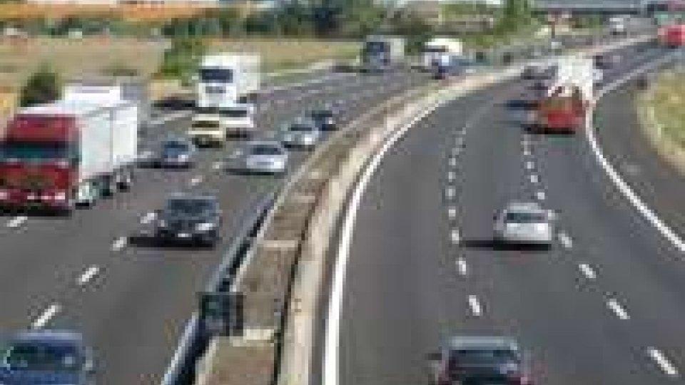 Inseguimento in A14 tra Rimini e Fano: arrestato padovano che picchiava la moglie