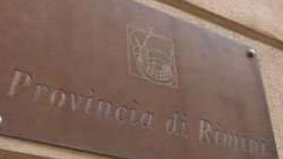 Rimini, in vendita gli arredi della sala consiliare