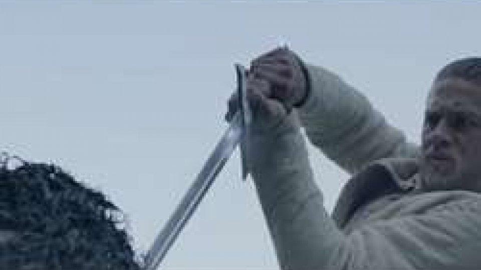 KING ARTU' dalla tradizione al fantasyKING ARTU' dalla tradizione al fantasy
