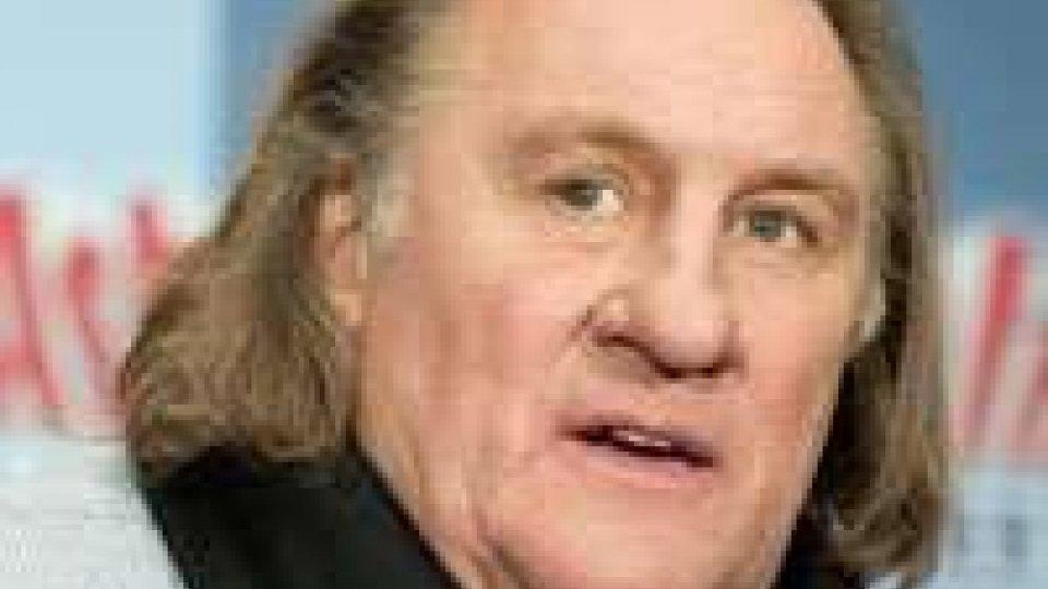 Putin pronto a dare passaporto a Depardieu