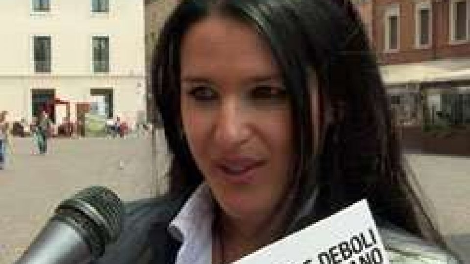 Il sit-in delle mammeNuovo sit in in piazza Cavour a tutela delle fasce deboli