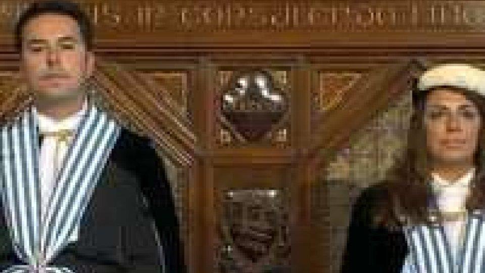 Eletti i nuovi Capitani Reggenti Teodoro Lonfernini e Denise BronzettiLa cerimonia di insediamento dei Reggenti