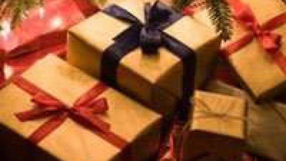 Natale: Confcommercio, per regali meno spesa ma più tecnologia