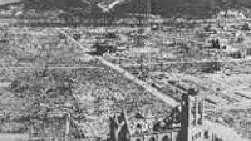 Hiroshima ricorda il bombardamento atomico della cittàHiroshima ricorda il bombardamento atomico della città