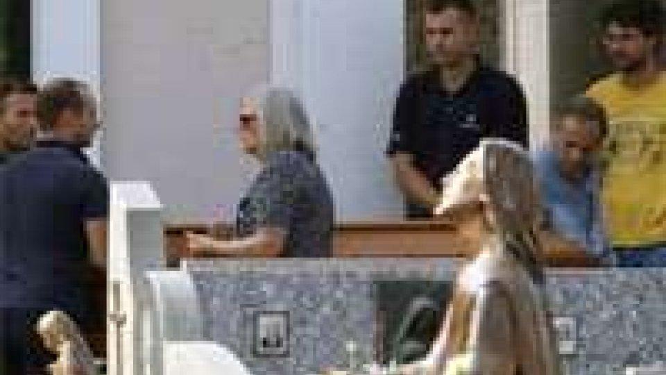 Lucio Battisti: salma portata via da Molteno, tra qualche giorno la cremazione