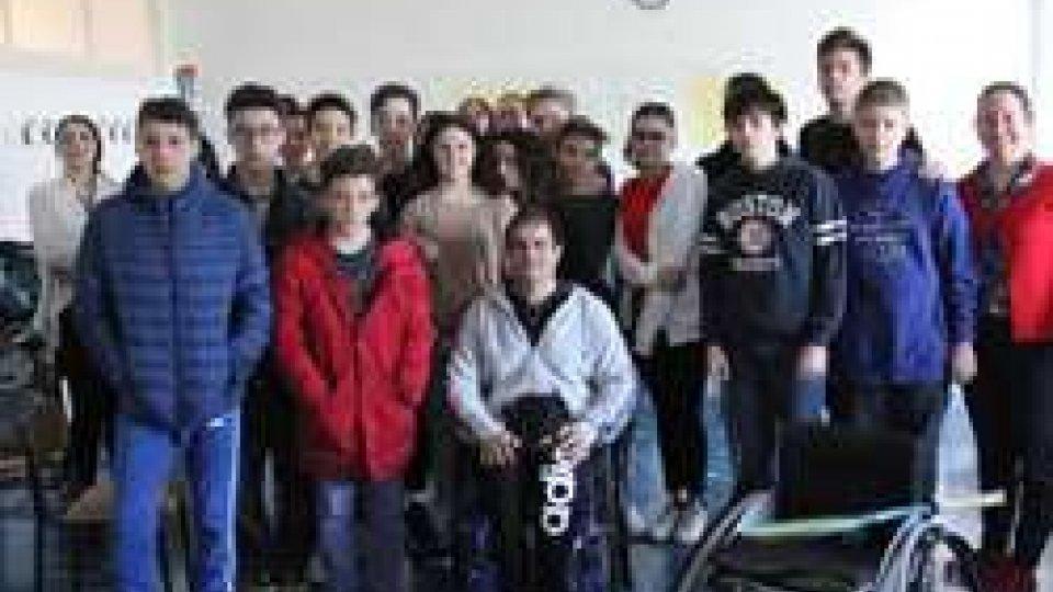 """""""Paralimpyc School Day"""": gli studenti delle scuole medie hanno incontrato Juan Francisco Barrena Gennari"""