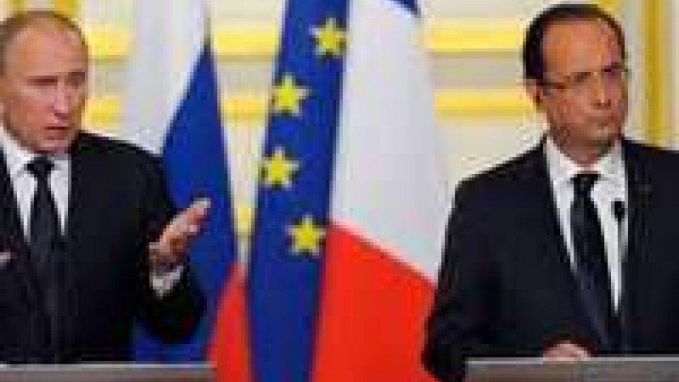 La prima volta di Hollande al Cremlino