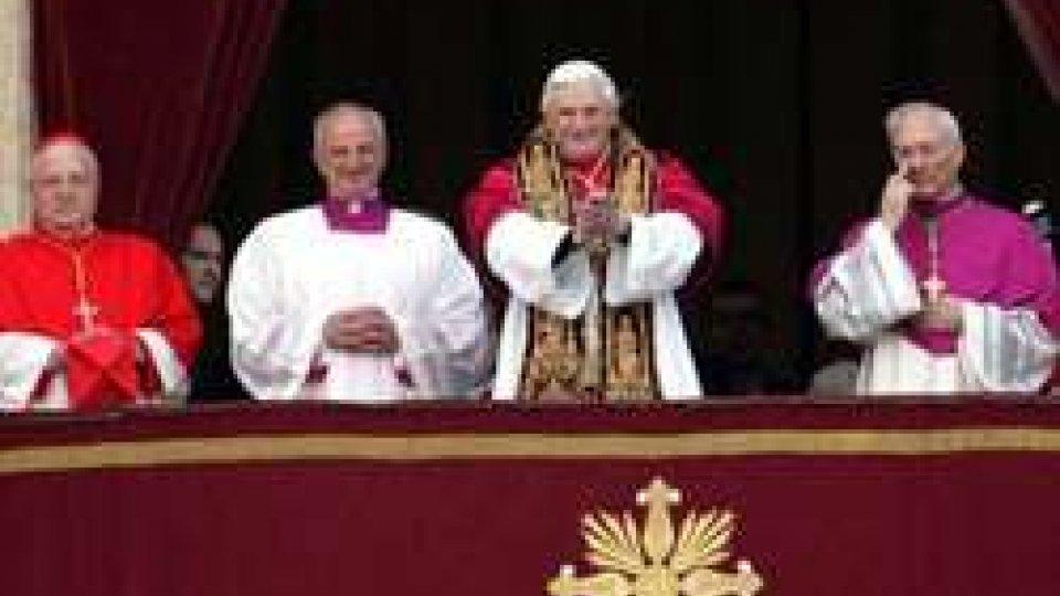 19 aprile 2005: il cardinale Joseph Ratzinger viene eletto Papa con il nome di Benedetto XVI