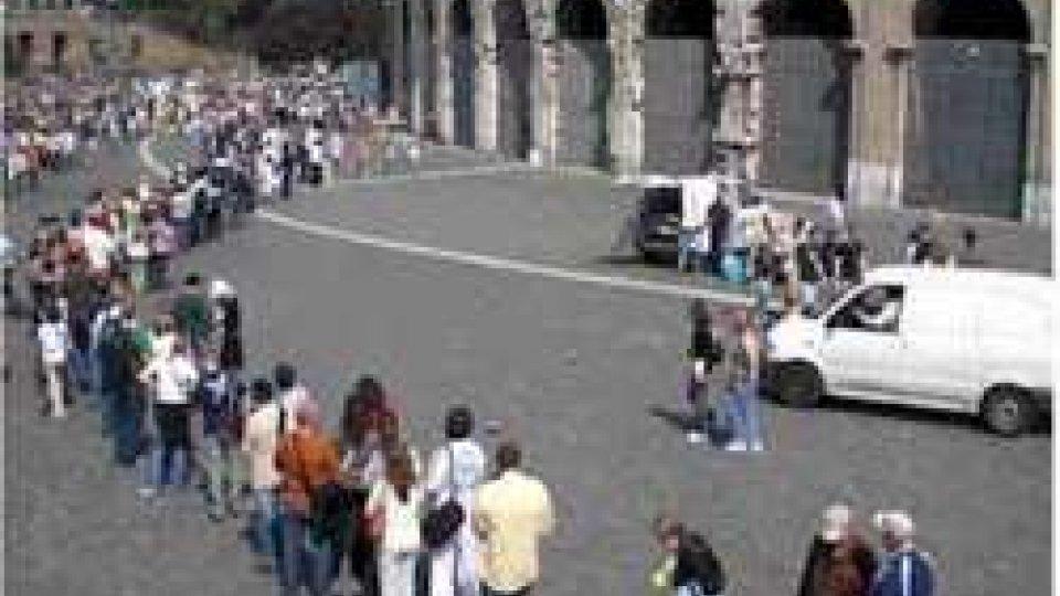 Fila al Colosseo