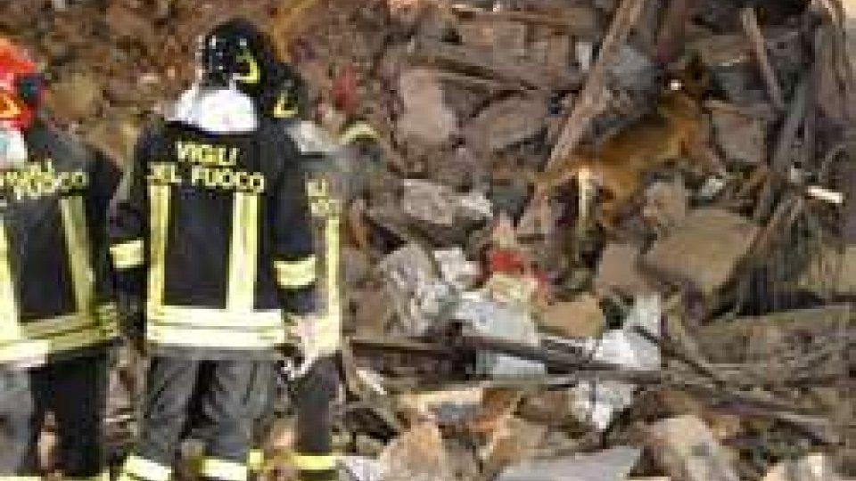 Crolla una palazzina a Catania: morta una 85enne, grave una bambina