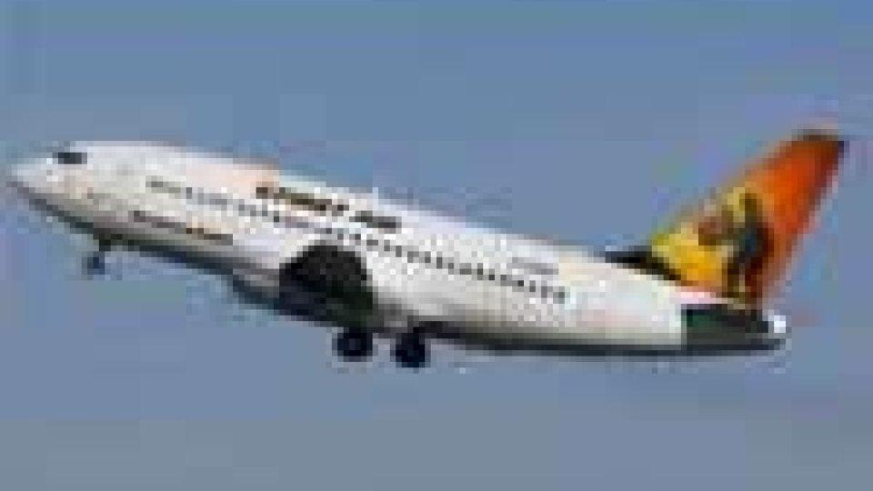 Canada: precipita Boeing 737