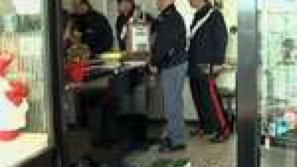 Rimini - Rapinata gioielleria a Rivazzurra: rubati circa 10mila euro