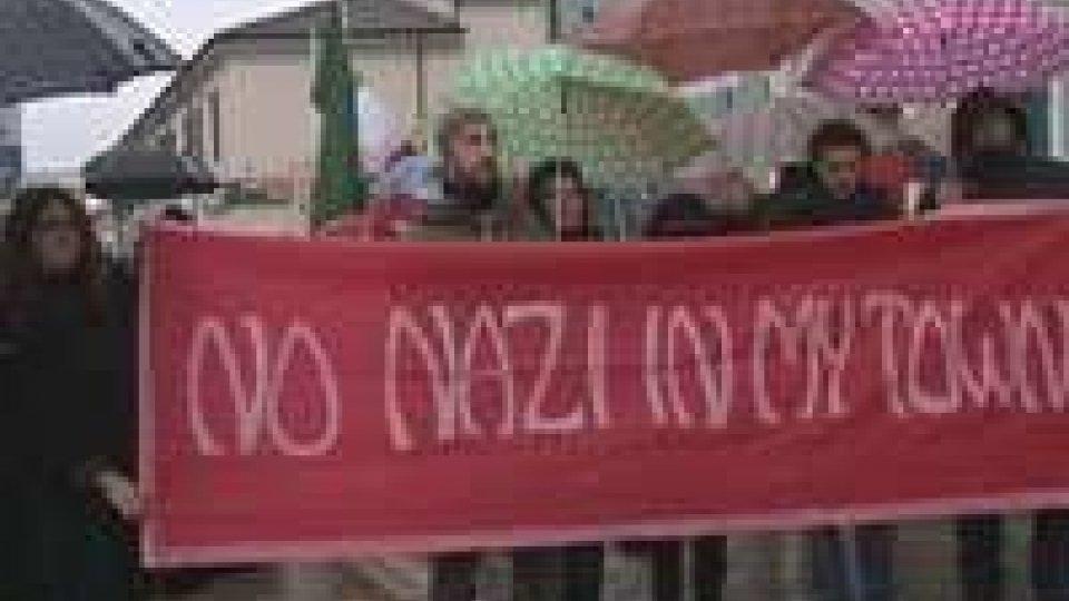 Cesenatico: in corteo contro il busto di MussoliniCesenatico: in corteo contro il busto di Mussolini