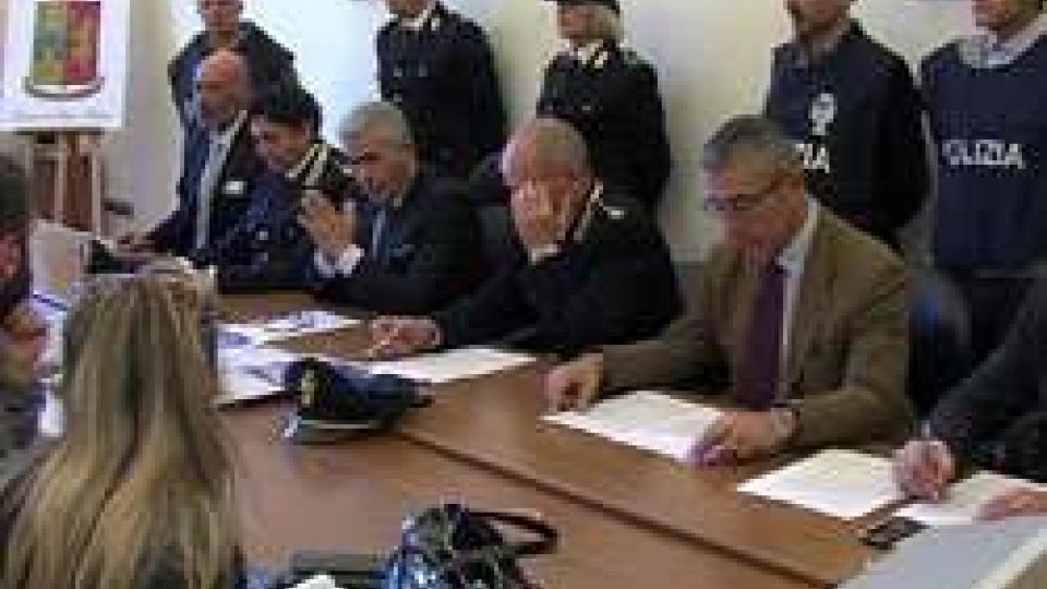 Pesaro: polizia recupera mille quintali di sementi rubatePesaro: polizia recupera 1500 quintali di sementi rubate