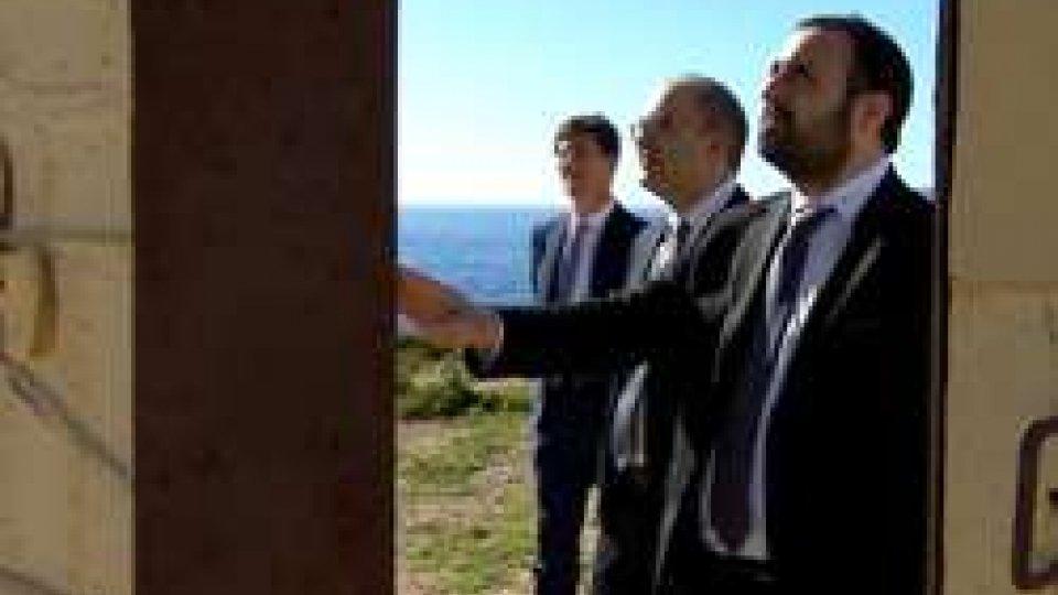 """La Reggenza alla Porta d'EuropaLampedusa, Reggenza alla Guardia Costiera: """"Siete il più alto esempio della solidarietà umana"""""""