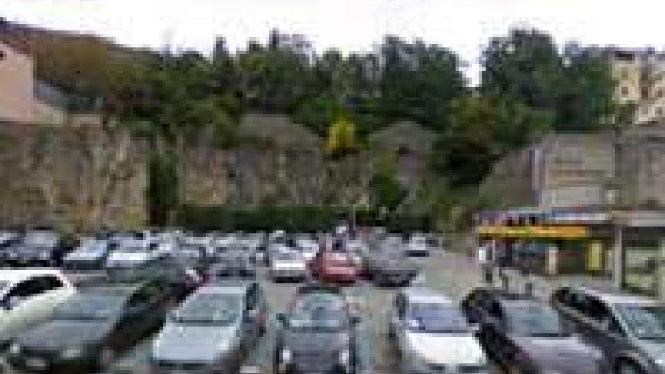 San Marino: pullman si ferma al P2, bimba disabile portata in spalla