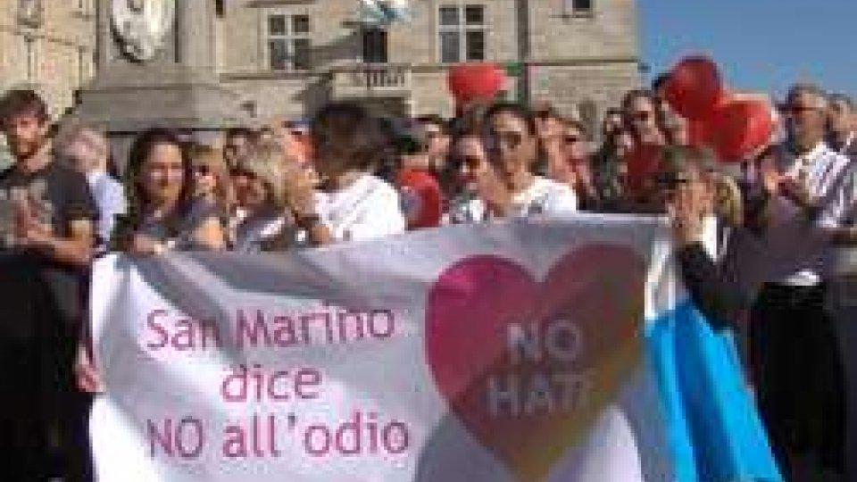L'evento sul PianelloMarcia contro l'odio: intorno a mille unità, secondo gli organizzatori, i partecipanti