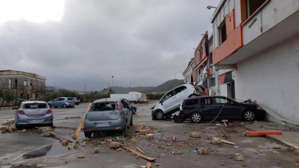 I danni nella zona. Foto ansa