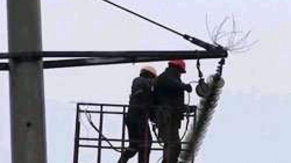Crimea al buio per il sabotaggio alle linee elettricheCrimea al buio per il sabotaggio alle linee elettriche