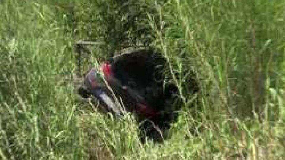 Le immagini dell'incidenteDonna sbalzata fuori strada a Santarcangelo. Le immagini dell'incidente
