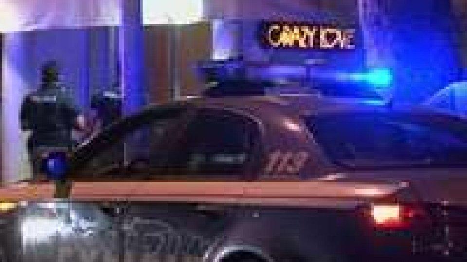 Sparatoria a Rimini: ferito buttafuori di un night club