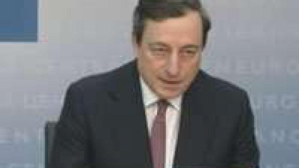 Bce fa previsioni fosche sulla disoccupazione e la Merkel torna a parlare di eurobond