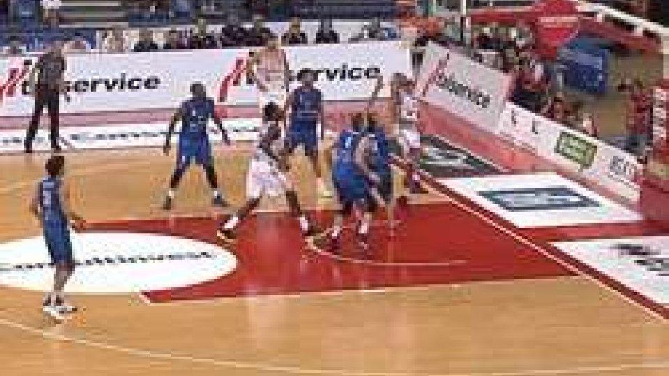 La vittoria di Pesaro contro BresciaPesaro comincia vincendo: 76-63