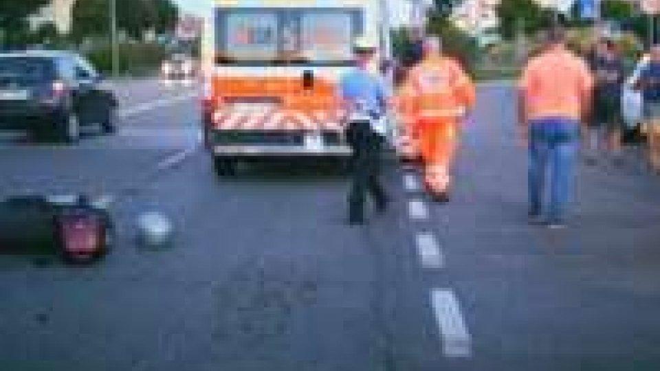 Incidente auto-moto: grave un 57enneIncidente auto-moto: grave un 57enne