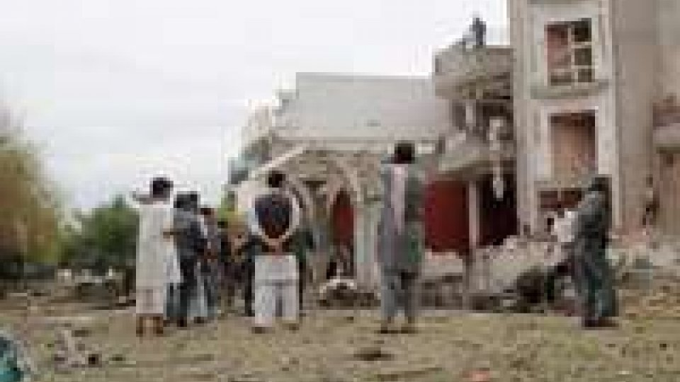 Afghanistan: attentato consolato indiano, almeno 9 morti