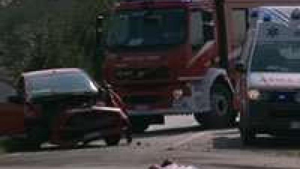 Incidente a Monte Colombo: auto contro camion