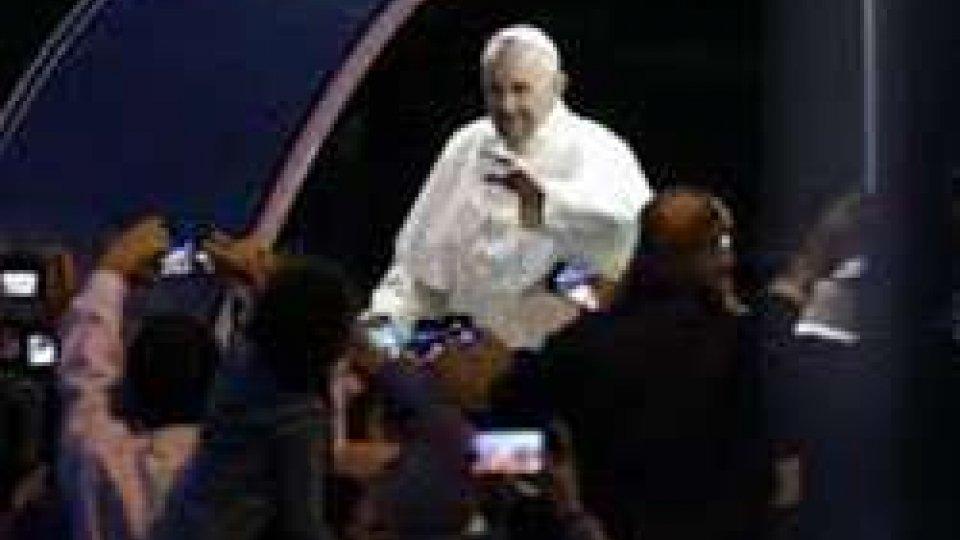 Il Papa di rientro dallo storico viaggio a Cuba e negli Stati Uniti