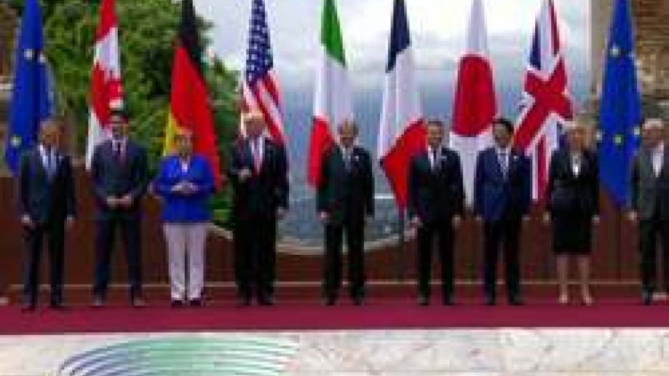 G7 TaorminaG7 Taormina: leader a confronto su migranti e clima. Firma contro il terrorismo