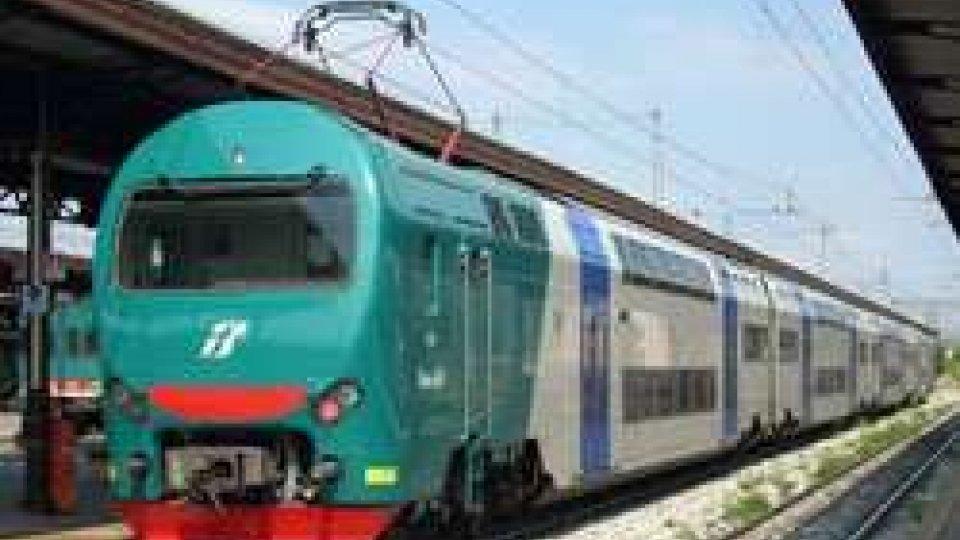 Persona investita da treno, traffico sospeso nel Ravennate