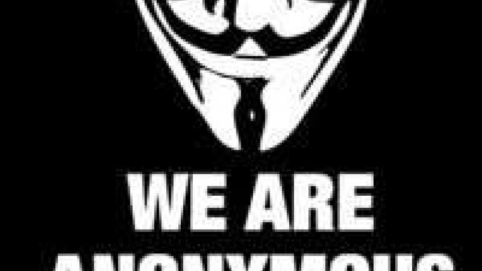 """Anonymous attacca Twitter: """"Ci sono account pedofili"""""""