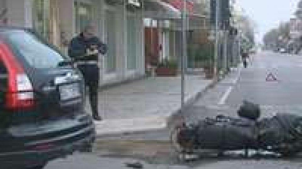 Grave incidente auto moto a Viserba