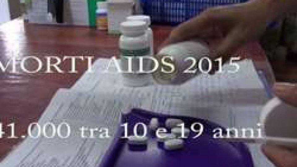 UNICEF: ogni due minuti un giovane contrae l'HIV