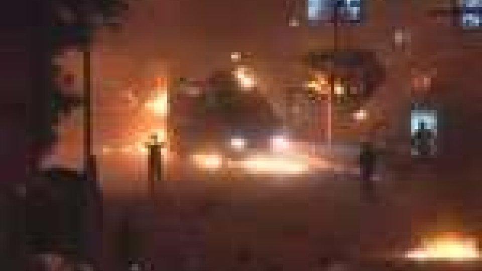 Egitto: invasa l'ambasciata israeliana. Tre vittime e oltre mille feriti