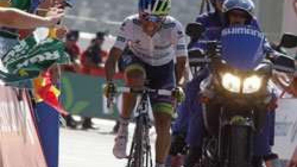 Vuelta: Chaves vince la sesta tappa e torna in vetta alla classifica
