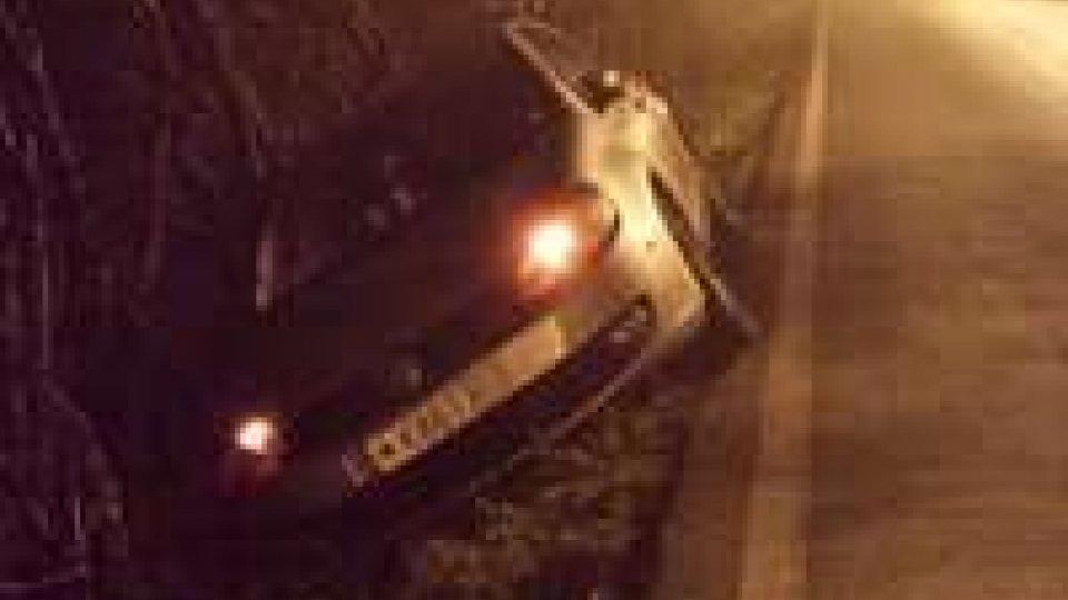 Auto sammarinese esce di strada a San Patrignano