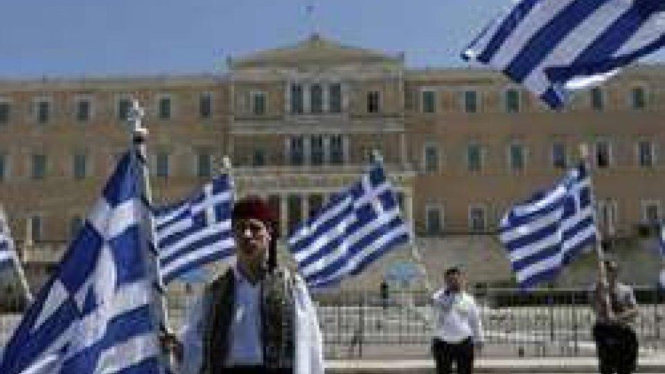 """Grecia: finisce l'era del commissariamento. Moscovici: """"Un momento storico"""""""