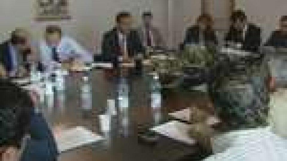 Tavolo tripartito: il Governo lancia un'appello all'unità