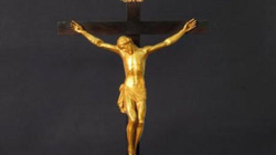 La straordinaria storia vera del 'Cristo d'oro' di Benvenuto Cellini, sepolto nel cortile della Biblioteca Gambalunga