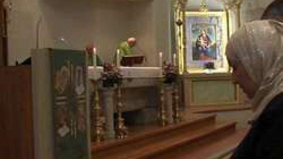 Mondo: 15mila musulmani in chiesa per la messa della domenica