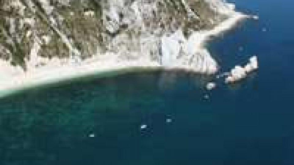Conero: la spiaggia delle Due Sorelle una delle più belle d'Italia