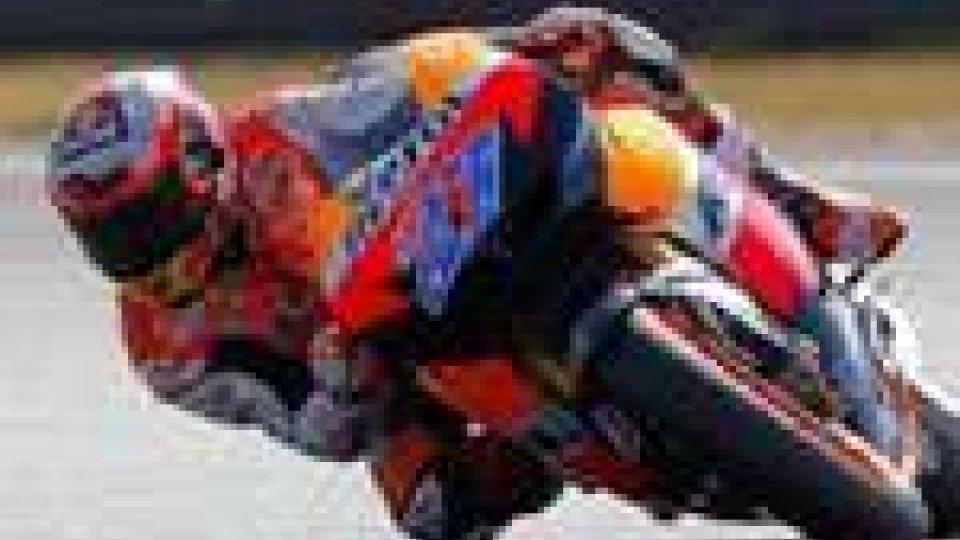 Motomondiale. Stoner vola in pole a Le Mans davanti a Simoncelli e Dovizioso. Rossi solo 9°