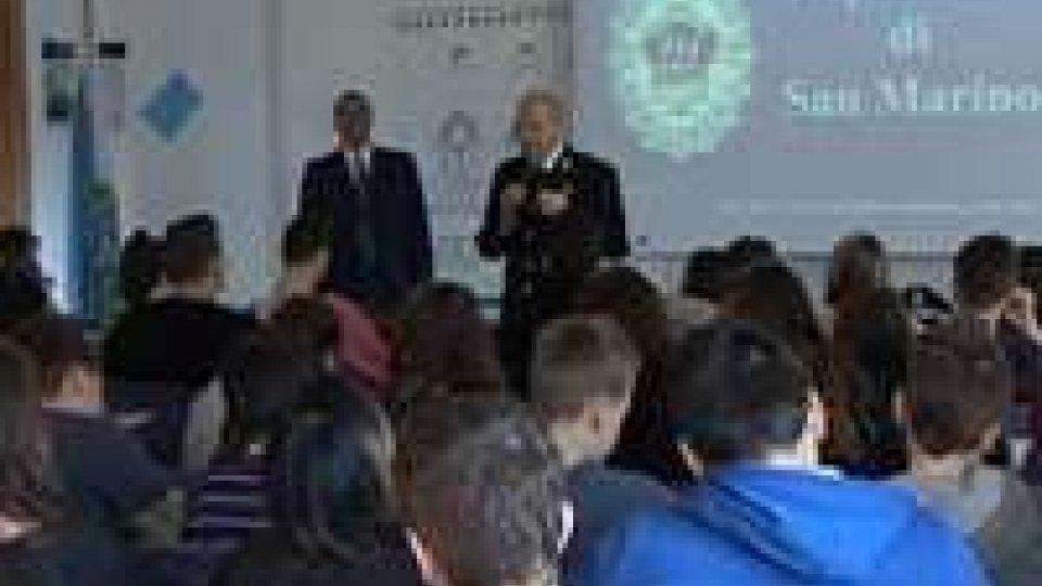 Educare alla Salute, in cattedra la GendarmeriaEducare alla Salute, in cattedra la Gendarmeria