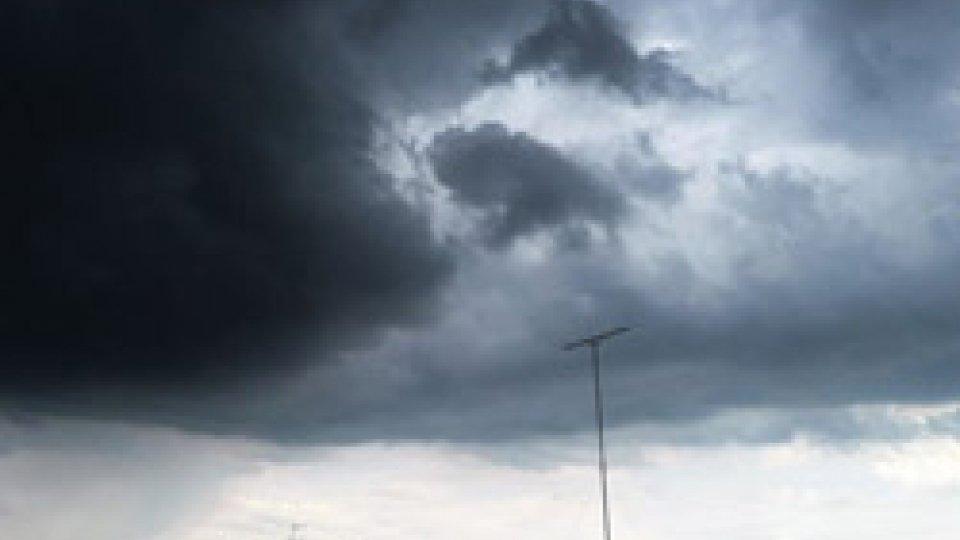 Meteo: possibili temporali nel pomeriggio di lunedì