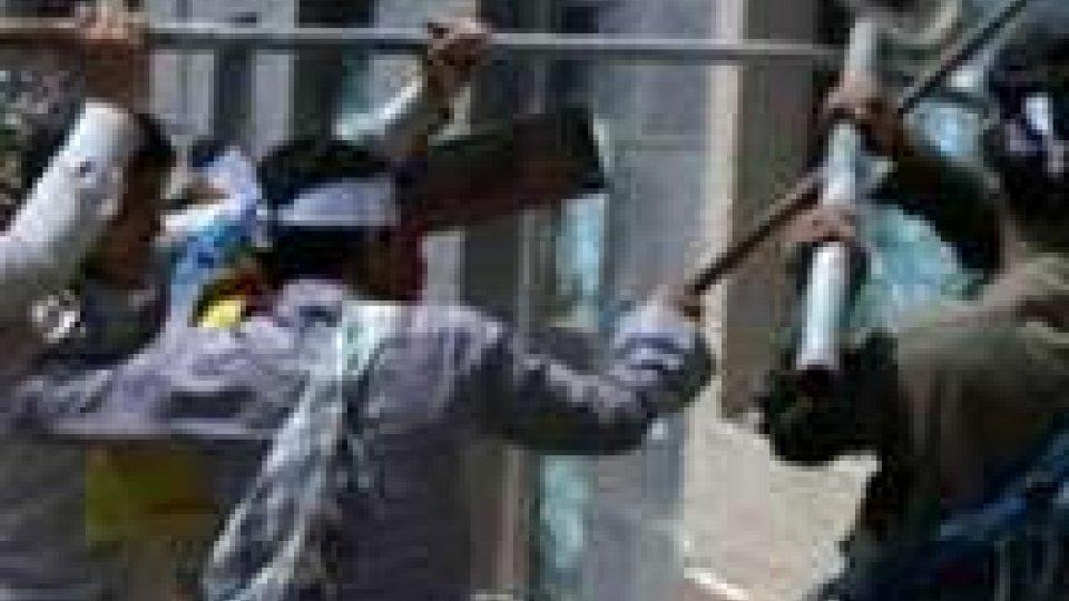 Bengasi: cittadini ed esercito contro islamici, 4 morti